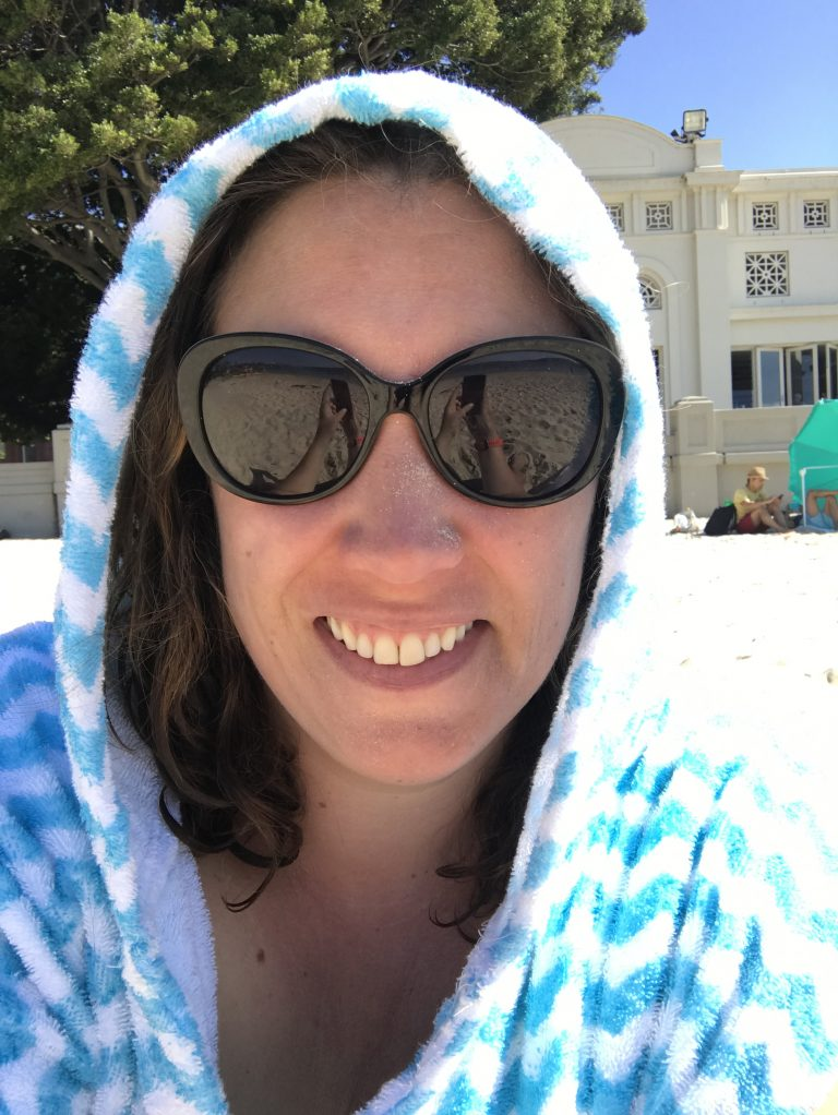 LOLL hooded towel on the beach